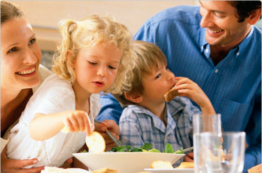Here Are Four Simple Rules To Enjoying A Family Lunch Dinner At Your Favorite Restaurant